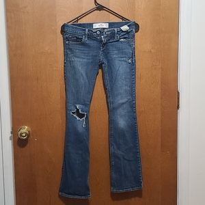 Hollister Distressed Bootcut Size 1Short